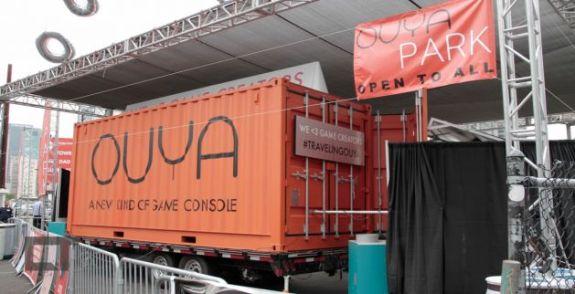 Compacto: um container cabe todo o estande do Ouya, que pode viajar o país.